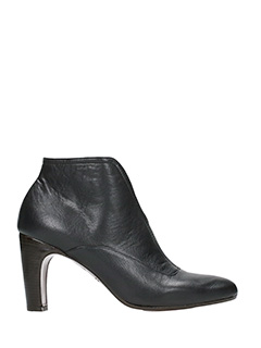Chie Mihara-Fedora black leather ankle boots