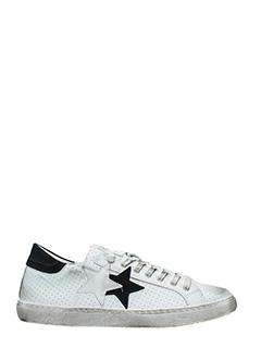 Two Star-Sneakers Low Star  in pelle bianca nera