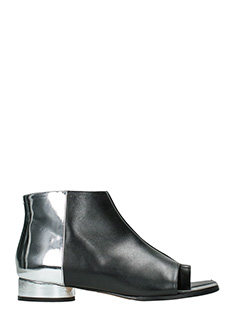 Maison Margiela-Tabi black leather ankle boots