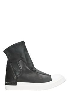 Cinzia Araia-Sneakets alte Slip On in pelle nera
