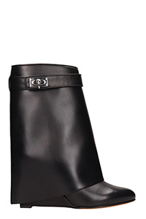 Givenchy-Sklk bootie9 black leather ankle boots