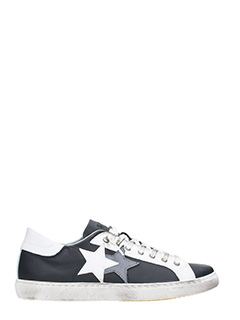 Two Star-Low Star black leather   sneakers