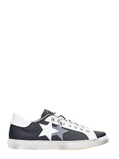 Two Star-Sneakers Low Star in pelle nera bianca